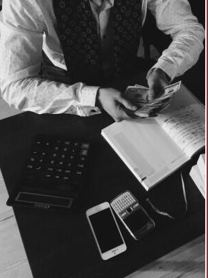 Die Rechtsanwältinnen und Rechtsanwälte von H&S Hanseatic Legal kümmern sich gerne um Ihre Fragen rund um das Vollstreckungsrecht.